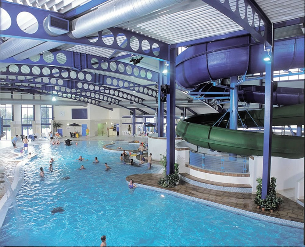 Newquay swimming pool caravan site cornwall hendra - Hotels with swimming pools cornwall ...