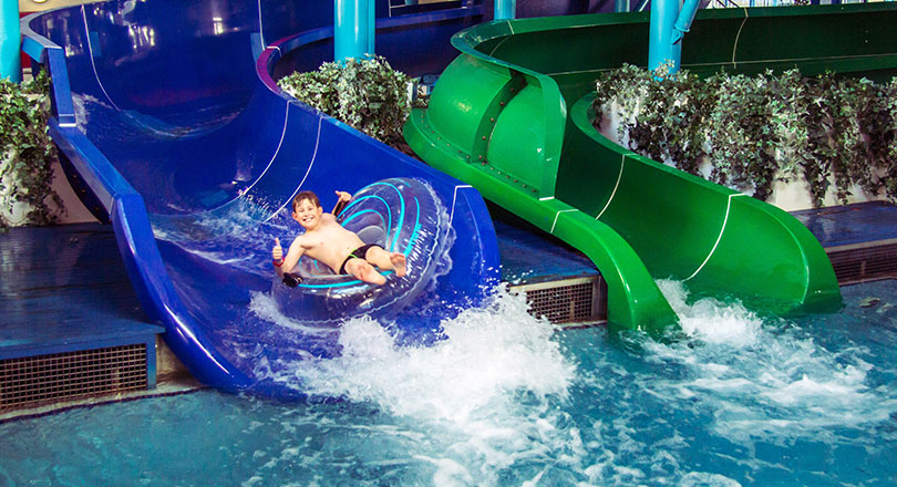 Family holidays in newquay cornwall hendra holiday park for Family holiday cottages with swimming pool