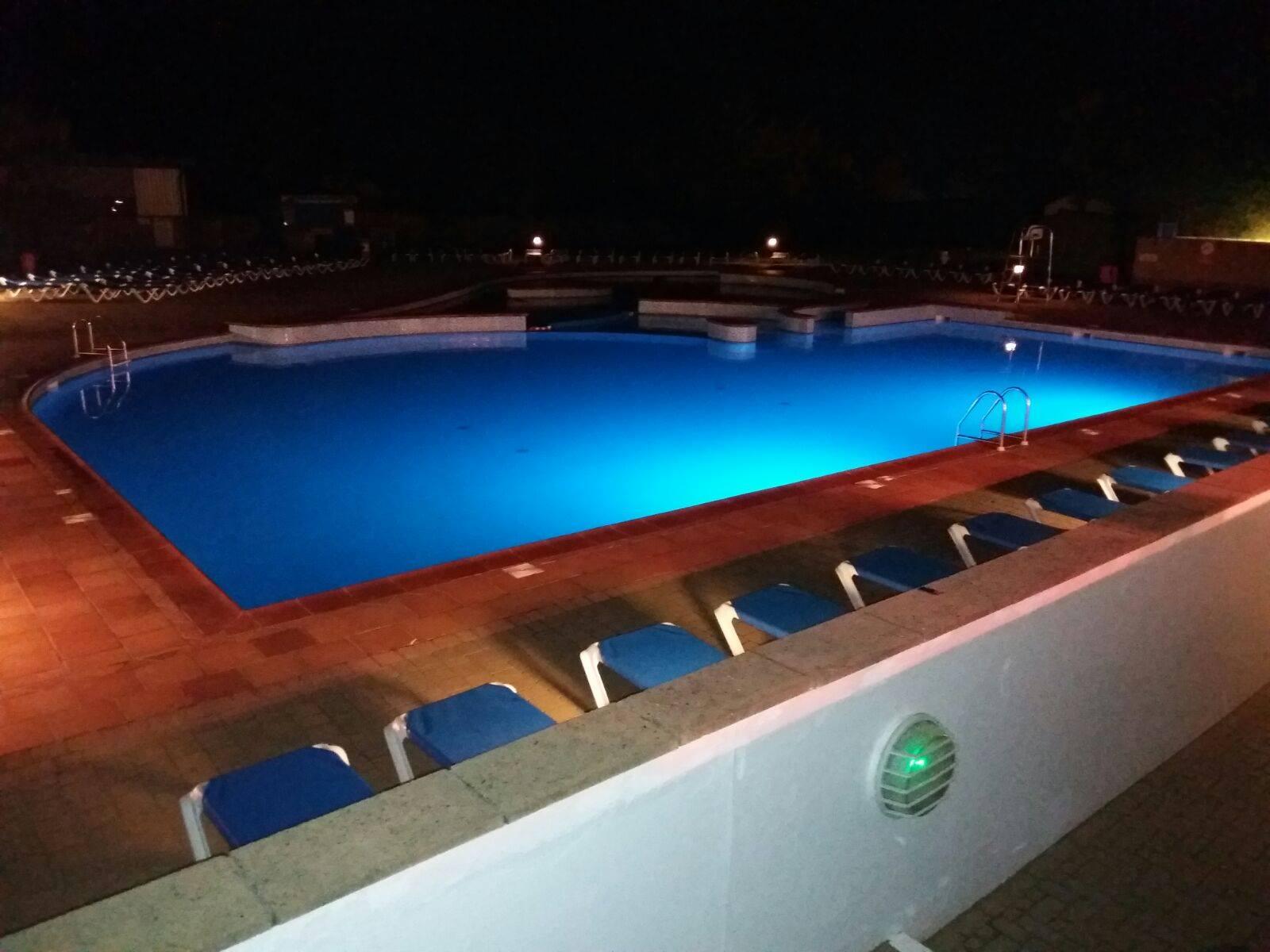 Beautiful pool in a beautiful park :D